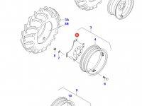 Вставка переднего колесного диска трактора (фланцевая гайка) — 31530710