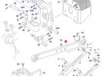 Левая тяга навески трактора (-J47100/J47101-) — 32972300