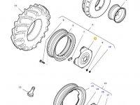 Вставка переднего колесного диска трактора Massey Ferguson (W10 X 28) — 31732720